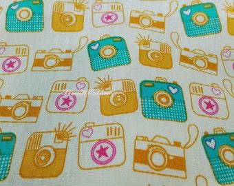 Instant camera, light yellow, 1/2 yard, pure cotton fabric
