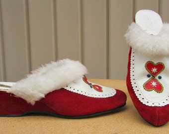 vintage 60s red suede wedge mules clogs slippers faux fur trim hearts ethnic 8 8.5  croatia