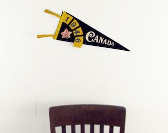 wall decor,banner,pennant,antique felt pennant CANADA travel souvenir banner with maple leaf circa 1946