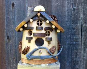 Heart of the Maple Birdhouse