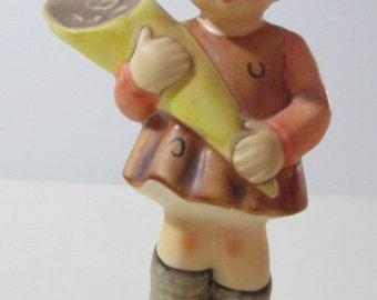 Hummel -  MI Figurine A Sweet Offering- Model 549