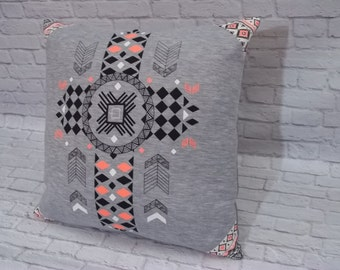 """Tribal Printed 18"""" Throw Pillow Cover"""