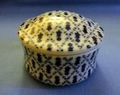 "Vintage ""Holly Hobby"" Trinket/Dresser Box 1980 - ""Petite Pattern"" - Porcelain - Japan"" White with deep blue figures in diamond pattern"