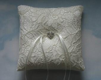 Ring cushion. Ring bearer pillow for weddings.