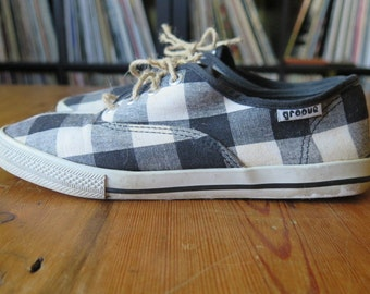 Vintage 90's SKA/Preppy Black and White Checker Low Top Sneakers, Size 6