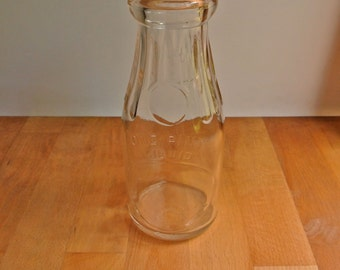 Thatcher Manufacturing Co One Pint Liquid Glass Bottle
