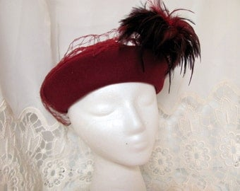 Women's Felt Hat with Feathers, Vintage millinery, Wool Felt Beret with Feathers