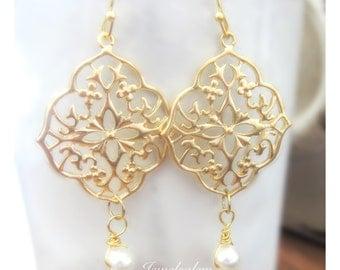 Gold Bridal Earrings Elegant Dangling Pearl Earrings Wedding Jewelry for Bride Romantic Modern Bridesmaids Earrings Set Gift C1 JW