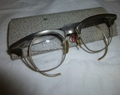 Eyeglasses Vintage Unisex 1960s New Look Era Metal Frame Good Condition with Original Case