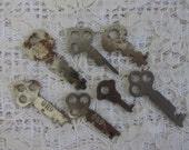 7 Vintage flat Keys, Steampunk Jewelry Supply lot, diy weddings supply, Altered Art supply, Scrapbooking Journal supply, DIY jewelry, keys