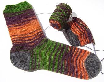 Halloween Sock Yarn, SW Merino, Nylon, 575 yds, fingering weight 4ply, sock blank, self-striping, self-patterning