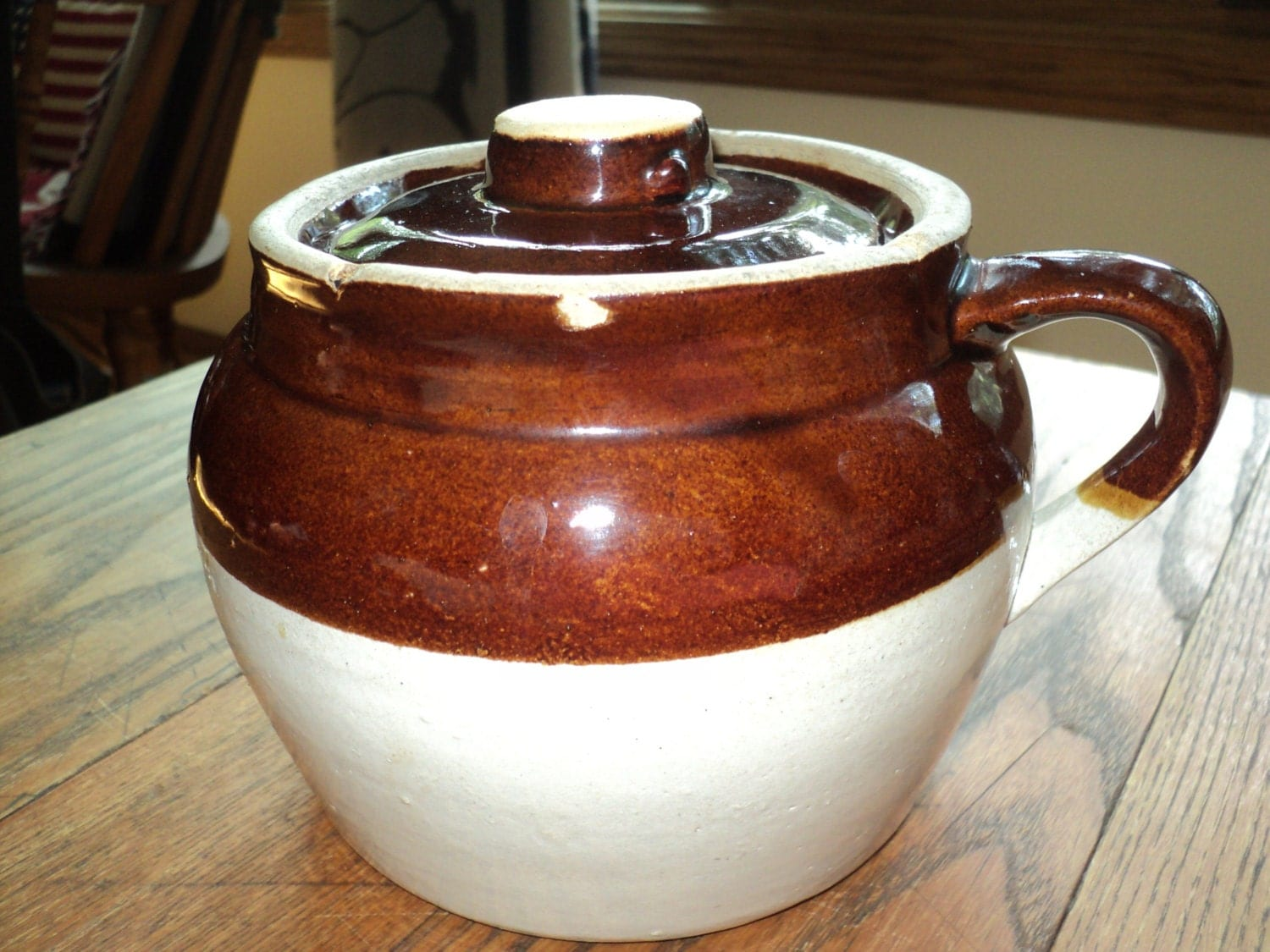 Vintage baked bean pot