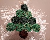 "6"" 100%Cotton Yo Yo Christmas Tree Ornament Green Holly and Reindeer"