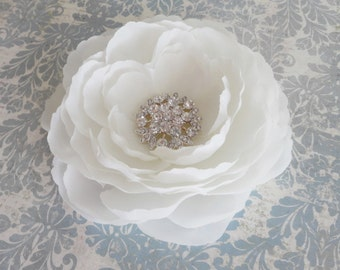 Bridal Soft White Flower Hair Clip w/ Rhinestone - Womens White Fascinator Flower Clip - Girls Flower Clip - White Flower Brooch Pin