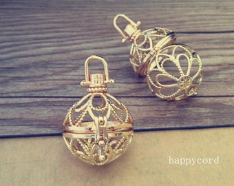 2pcs gold color hollow out  (copper) box charm pendant  31mmx28mm