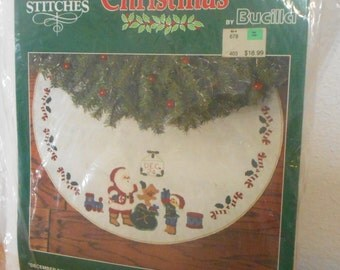 "Vintage Bucilla Felt Christmas Tree Skirt Needlecraft Kit ""December 24th"" New Old Stock"