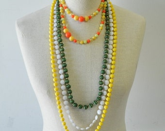 1960s necklaces/ beaded necklaces / silk bead necklace / Sorbet Punch necklace
