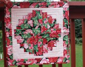 Christmas Table Topper Quilt- Handmade Quilt- Curved Log Cabin