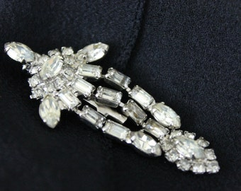 Vintage Brooch Pin Crystal Rhinestone Diamante Tassel Waterfall Brooch / Pin