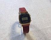 Casio LA670WGA-1D Ladies Classic Retro Gold Tone Watch with Handmade Genuine Leather Watch Strap