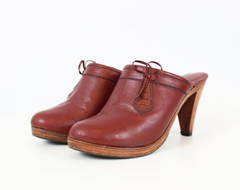 vintage 70s wooden leather mules / 1970s boho leather heels / burgundy leather clogs / Connie Brazilian leather heels / size 8 mules clogs
