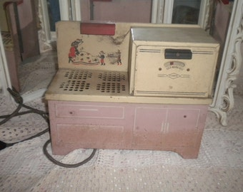 REDUCED.....Awesome Working Vintage Empire Toy Oven, Antique Toy, Toy Collector