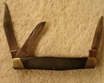 Vintage Buck Knife # 301 Black Composition Handle 3 Blades-knives- Pocket Knives- men knives