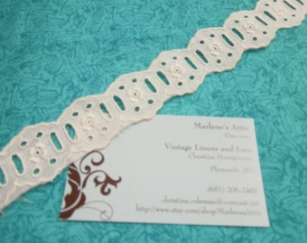 1 yard of 1 1/4 inch Ivory Eyelet lace trim for bridal, baby, wedding, garter, housewares, couture by MarlenesAttic - Item 6G