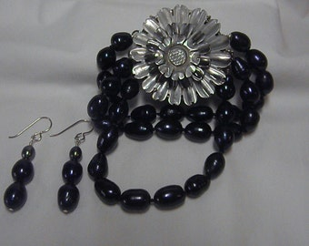 Genuine Cultured Baroque Black Freshwater Pearls  With A Genuine Black Lip Shell Clasp.  Bracelet And Earrings Set.