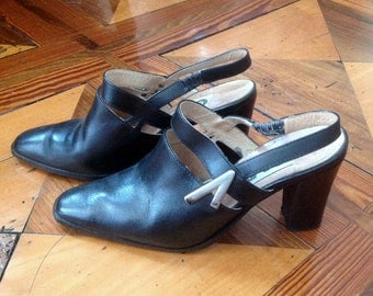 Vintage black leather heeled mule // 80s // I 38 UK 5 USA 8