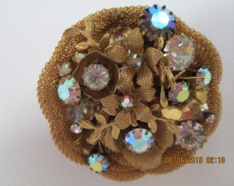 Pin/brooch with AB crystals in floral pattern