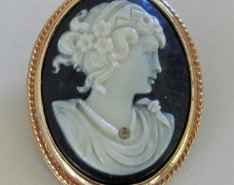 Vintage Cameo Brooch Pin or Wear as Pendant Back is Stamped Avon