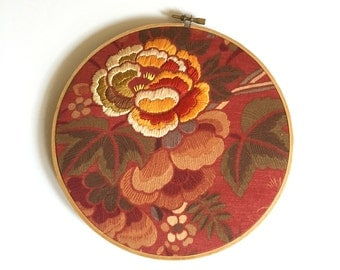 Hand Embroidery Hoop Art. Flowers and Leaves. Hand embroidered. Fiber art wallhanging. Gift for gardener. Orange and Green. Small artwork
