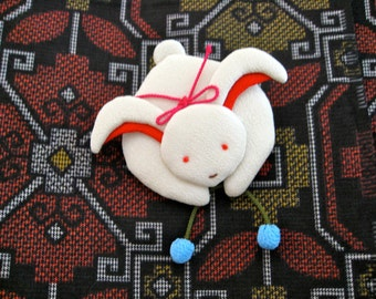 Rabbit Brooch,chirimen kimono fabric,#1