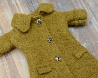 Blythe doll sized Mossy Green 100% boiled wool coat.  For Blythe, Dal, Pullip, Licca or similar scale dolls