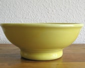 Hall Stoneware Mixing Bowl in Yellow