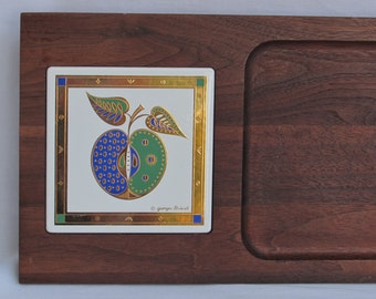 Georges Briard Signed Cheese Cutting Board Server Cobalt Blue and Emerald Green and Gold Apple Design Motif - Vintage Home Decor