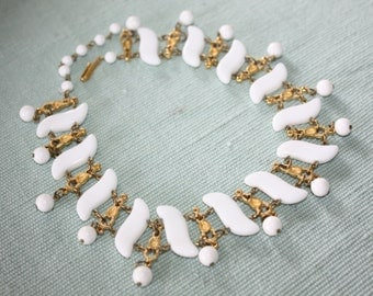 Vintage White Bib Collar Necklace 1950s Bridal Jewelry