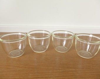 Four vintage Pyrex rolled edge custard or dessert cups, numbers 424 and 425
