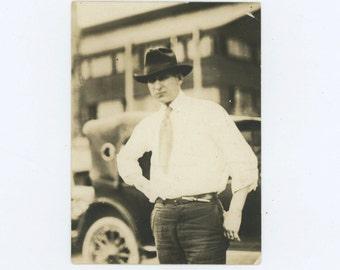 Cool, 1920s Vintage Snapshot Photo (58403)