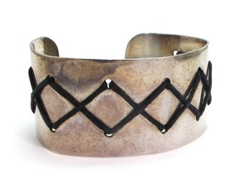 Sterling Silver and Black Leather Zig Zag Cuff - Heavy Adjustable Cuff - Weight 38.8 Grams # 4134