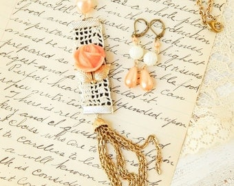 Upcycled jewelry set / assemblage necklace / assemblage jewelry / upcycled jewelry / vintage rose necklace / mixed media / repurposed / rose