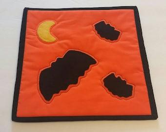 Halloween Bats Mug Rug, Snack Mat, Pot Holder, Trivet, Candle Mat, Applique Bats and Moon, Reversible, Teacher Gift, Halloween Decorations