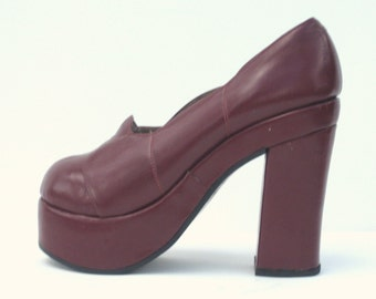 1970s burgundy leather super high platforms - size 6 - 1970s platform shoes - Biba-esque coloring and styling - glam rock