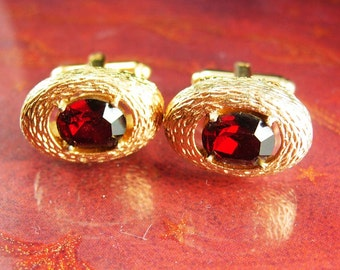 Vintage Cufflinks Red garnet Elegance Large Faceted Rhinestones Sunday Dress Wear gold cuff links Dante designer wedding formal wear