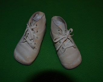 ON SALE  Vintage Pair of White Baby Shoes