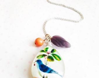Bird necklace- nature inspired necklace- bird jewelry-gift for her- oval bird pendant necklace
