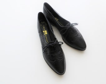 90s Black Lace Up Oxfords Leather Wingtip Women US Size 7 Narrow