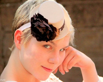 Rustic wedding fascinator, beige and brown mini top hat, autumn hair piece, fall headband, fall wedding, beige wedding, beige bridesmaid