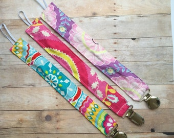 Pacifier holder, pacifier clip, pacifier strap, baby pacifier holder, MAM clip, soothie clip, NUK clip